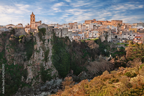 Fotomural  Laterza, Taranto, Puglia, Italy: landscape of the town over the canyon in the na