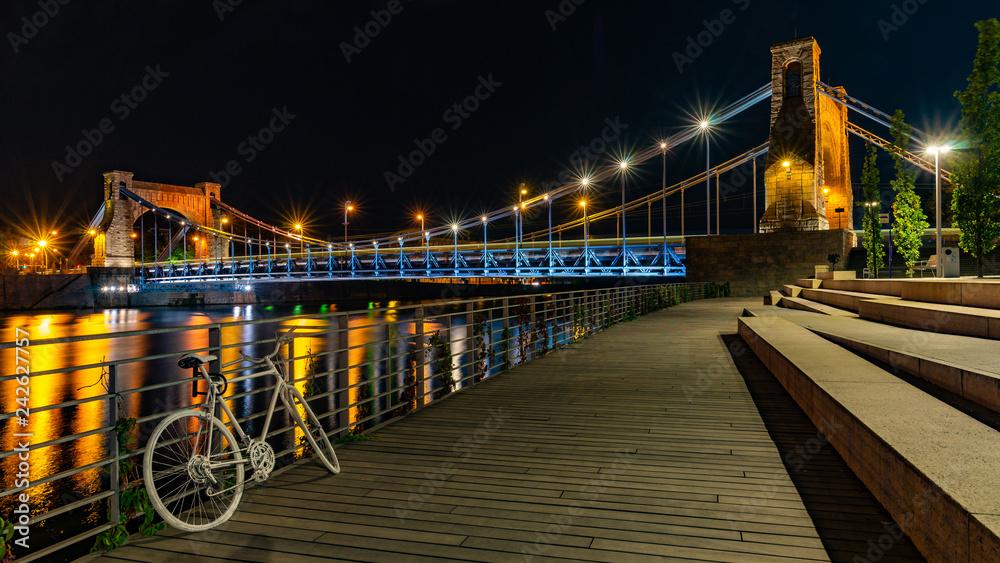 Fototapety, obrazy: Wrocław nocą, Most Grunwaldzki, bulwary