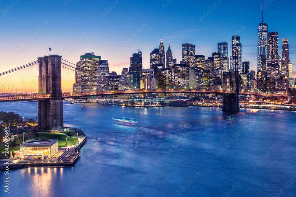 Fototapety, obrazy: a magnificent view of the lower Manhattan and Brooklyn Bridge