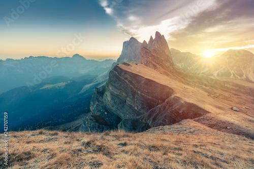 Photo  Epic Misty Morning Landscape of Dolomites Alps