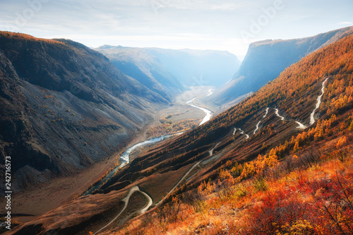 Chulyshman river valley and Katu-Yaryk pass in Altai mountains, Siberia, Russia Fototapet