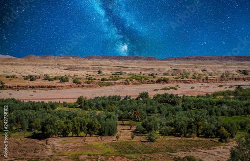 Fotografía  Night desert landscape with Atlas Mountains near Kasbah Ait Ben Haddou, Morocco