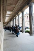博物館の行列