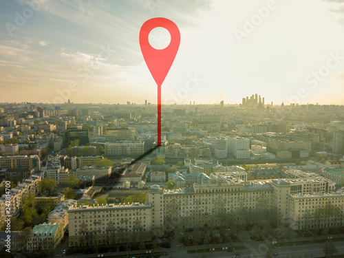Fotografía  aerial shot of marker pointing on the streets of europe city during sunset b