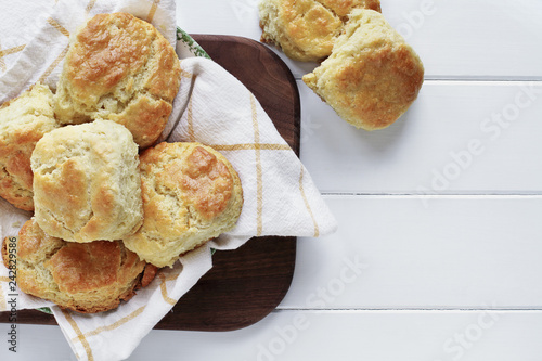 Fotografia Buttermilk Southern Biscuits Over White Table