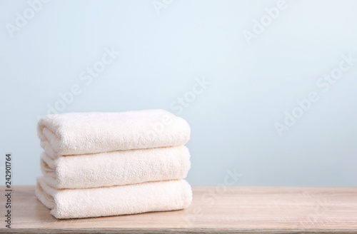 Fotografia  Stack of folded towels empty copy space.