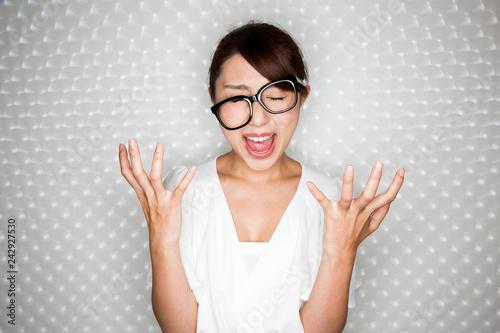 Fényképezés 怒る女性
