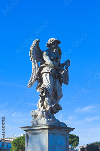 Deurstickers Historisch mon. Statue of an angel