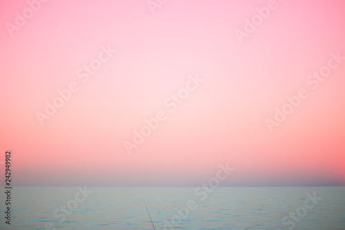 Foto auf Gartenposter Rosa hell Beautiful sea, pink sunset, nature, summer. The concept of fashion colors