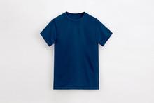Un-branded Royal Navy T-shirt ...
