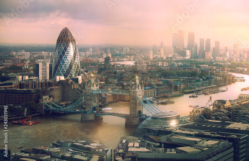 London view at sunset Canvas Print