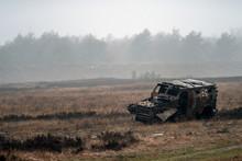 Alter Kaputter Zerstörter Militär Geländewagen Auf Einem Feld