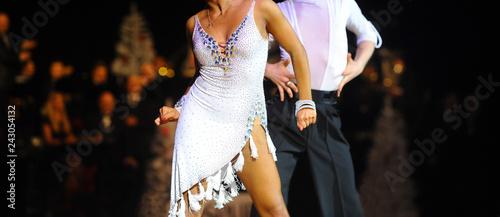 Canvas Print woman and man dancer latino international dancing