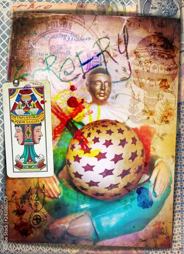 Pierrot indovino con palla di cristallo, simboli magici e carta dei tarocchi