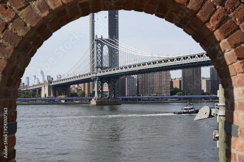 Poster Channel Manhattan Bridge