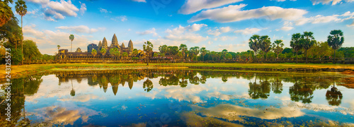 Photo sur Aluminium Piscine Angkor Wat temple at sunset. Siem Reap. Cambodia. Panorama
