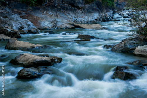 creek flowing over the rocks Fototapete
