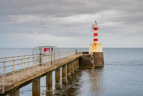 Photographie  The Pier Lighthouse in Amble in Northumberland, England, UK, seen from the South