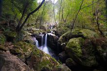 Little Waterfall (named Irusta...