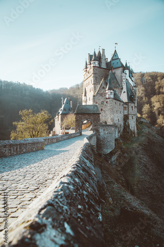 Poster Historisch geb. Eltz Castle at sunrise, Rheinland-Pfalz, Germany