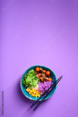 Carta da parati Hawaiian poke bowl with rice, beef.Asian kitchen.
