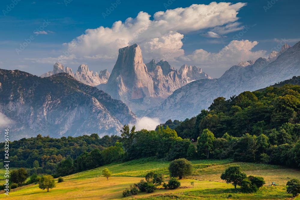 Fototapety, obrazy: Naranjo de Bulnes known as Picu Urriellu in Asturias, Spain