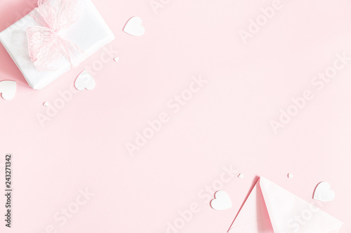 Fototapety, obrazy: Valentine's Day background. Gift box, envelope on pastel pink background. Valentines day concept. Flat lay, top view, copy space
