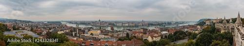 Montage in der Fensternische Kiew Budapest XXI