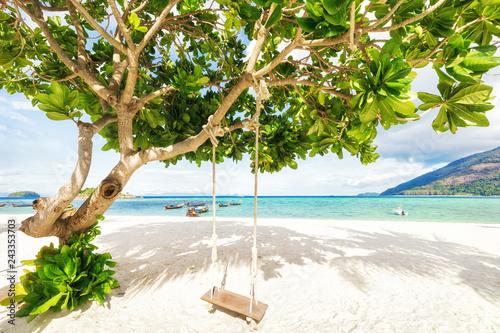 Naklejka premium Azjatycki tropikalny plażowy raj w Tajlandia