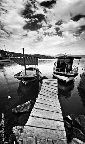 Foto-Schiebegardine Komplettsystem - Wooden Pier and Boat (von adempercem)