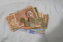 Colombian Peso Banknotes Bills...