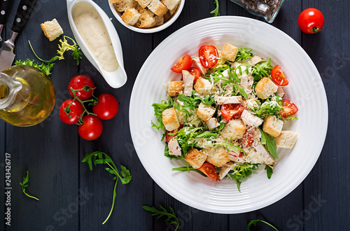 Cuadros en Lienzo Healthy grilled chicken Caesar salad with tomatoes, cheese and croutons