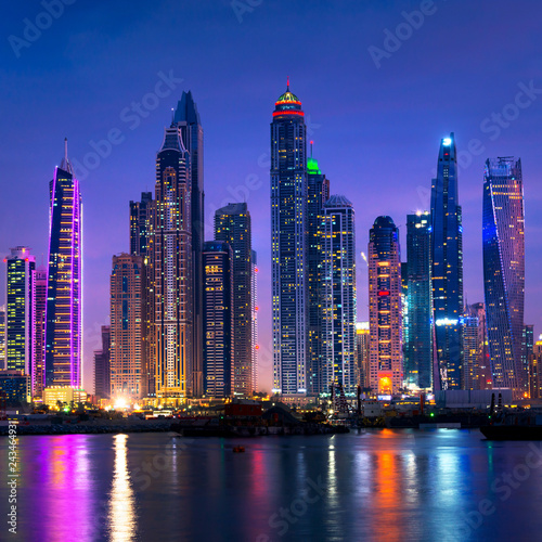 fototapeta na drzwi i meble Dubai marina skyline at night with water reflections, United Arab Emirates