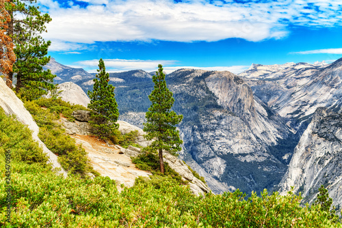 Spoed Foto op Canvas Centraal-Amerika Landen Magnificent national American natural park - Yosemite.