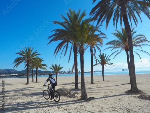 In de dag Los Angeles Radfahren auf Mallorca im Frühling