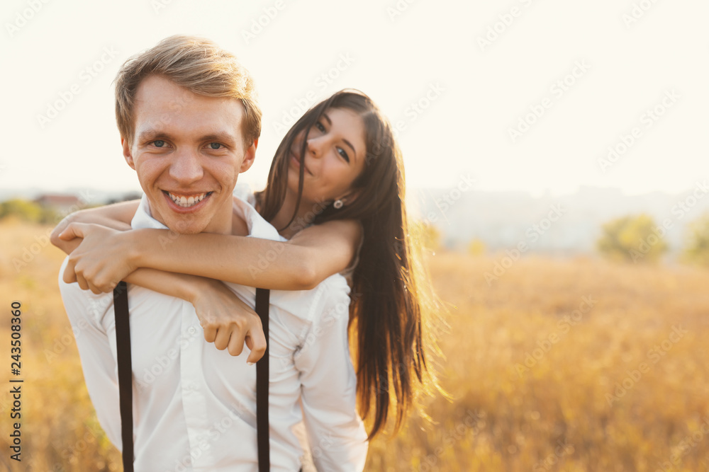Fototapety, obrazy: Carefree couple having a good time together, enjoying love, fres