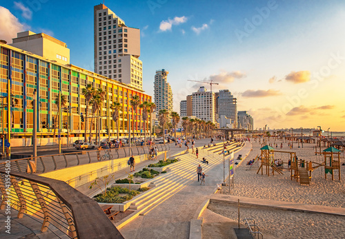 Obraz na płótnie View on the beach in Tel Aviv with some of its iconic hotels