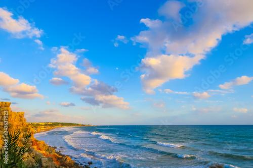 Obraz premium Antalya, błękitne morze i naturalne piękno