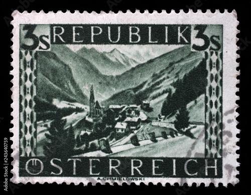 Fotografía  Stamp printed by Austria, shows Heiligenblut (Carinthia), Landscape series, circ