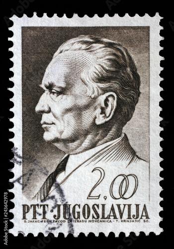 Papel de parede  Stamp printed in Yugoslavia, is depicted Josip Broz Tito, circa 1968