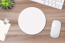 Mouse Pad Mockup. Round White ...
