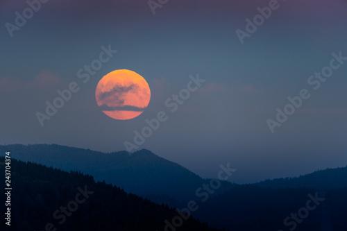 Foto  Blutmond über dem Schwarzwald