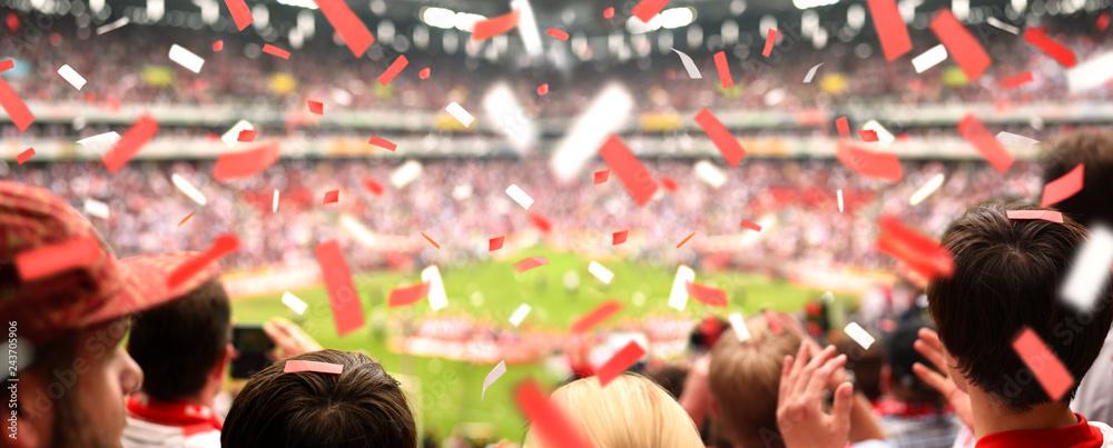 Begeisterte Fussball Fans Im Stadion Xxl Panorama Foto
