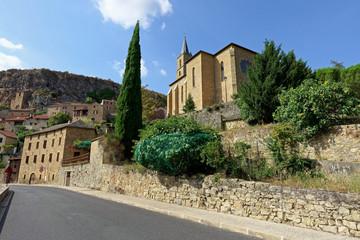 Fototapeta na wymiar Village de Peyre, Vallée du Tran, Aveyron, Midi-Pyrénées, France