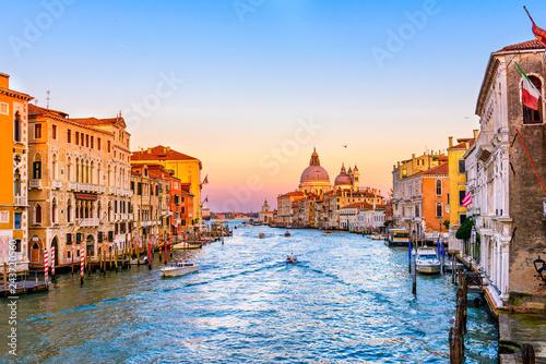 Obraz Grand Canal with Basilica di Santa Maria della Salute in Venice, Italy. View of Venice Grand Canal. Architecture and landmarks of Venice. Venice postcard - fototapety do salonu