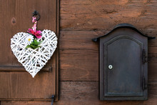 A Wicker White Heart With Peon...