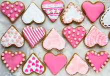Gingerbread Cookies With Pink ...