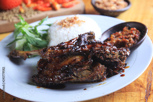 Fototapety, obrazy: Indonesian specialty fried duck