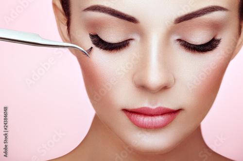 Photo  Beautiful Woman with Extreme Long False Eyelashes