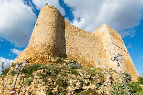 Foto op Aluminium Historisch geb. Sicilian castles. Naro Medieval Castle.